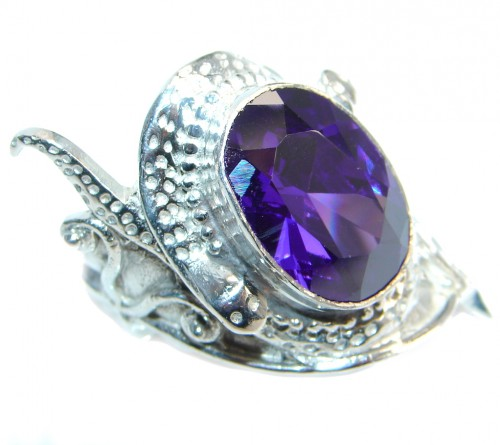 Ultra Fancy Purple Cubic Zirconia Silver Tone Coctail ring s. 8 1/2