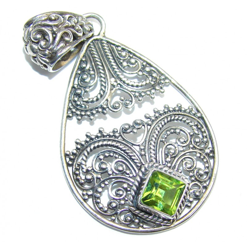 Bali Secret Peridot entirely handcrafted Sterling Silver Pendant