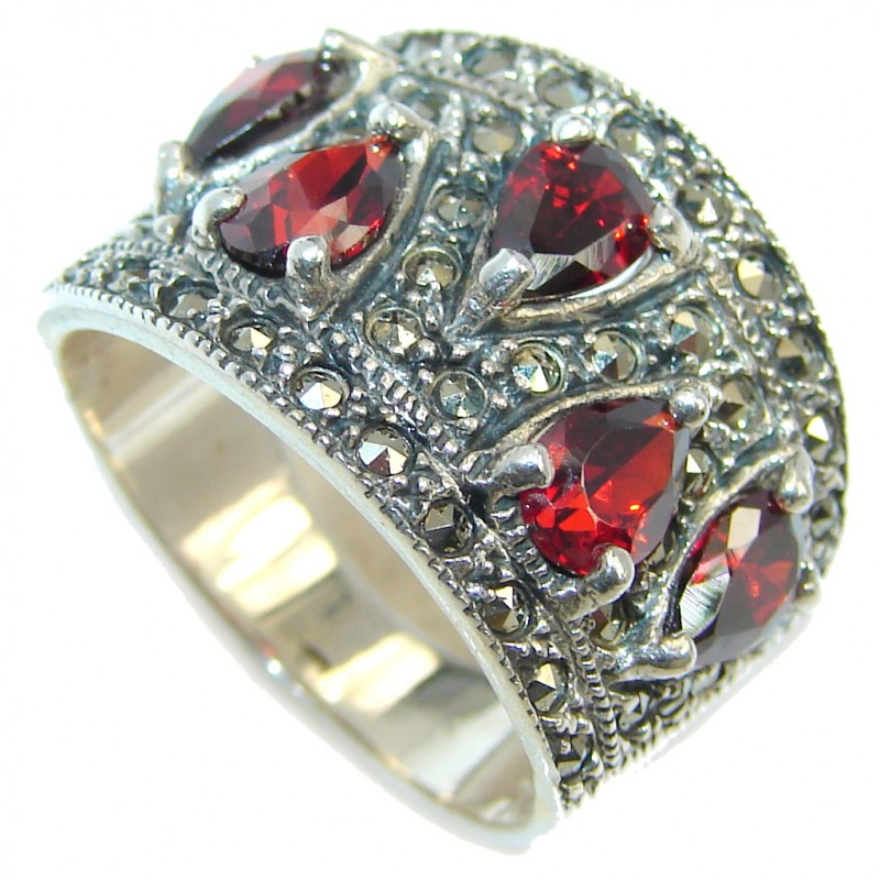Victorian Style Garnet Marcasite Sterling Silver Ring s. 7