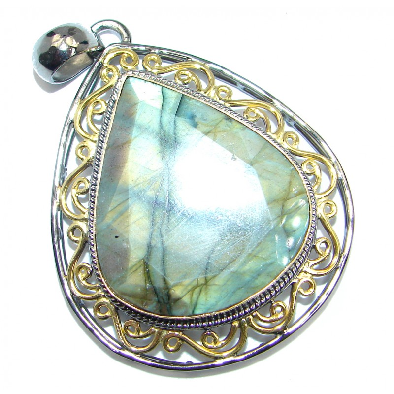 Traditional Design Labradorite Gold Rhodium plated over Sterling Silver handmade Pendant
