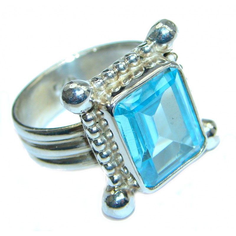 Exotic Blue Topaz Sterling Silver Ring s. 7