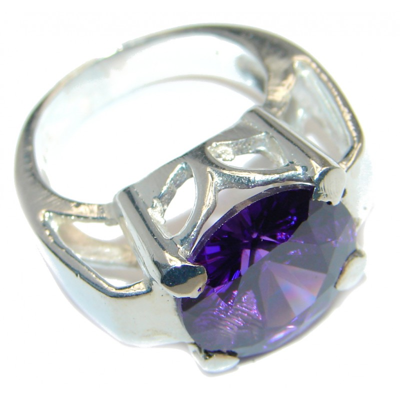 Ultra Fancy Purple Cubic Zirconia Silver Tone Coctail ring s. 7