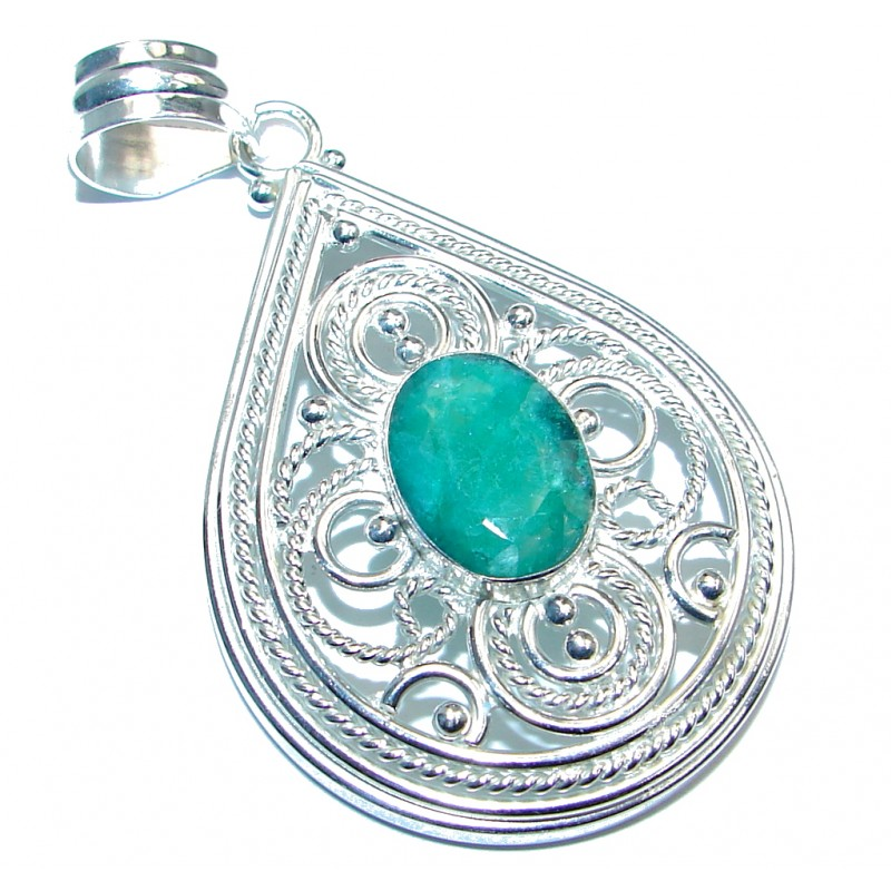 Huge Beauty Green Quartz Silver Tone handmade Pendant