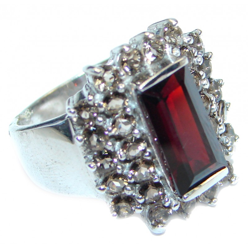 Ultra Fancy Red Cubic Zirconia Sterling Silver Coctail ring s. 6 3/4