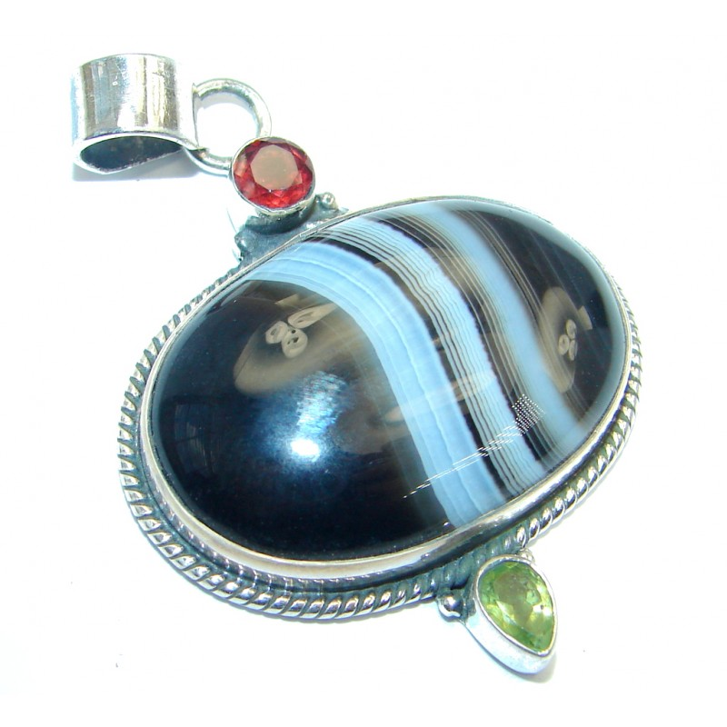 Natural color Agate Sterling Silver handmade Pendant