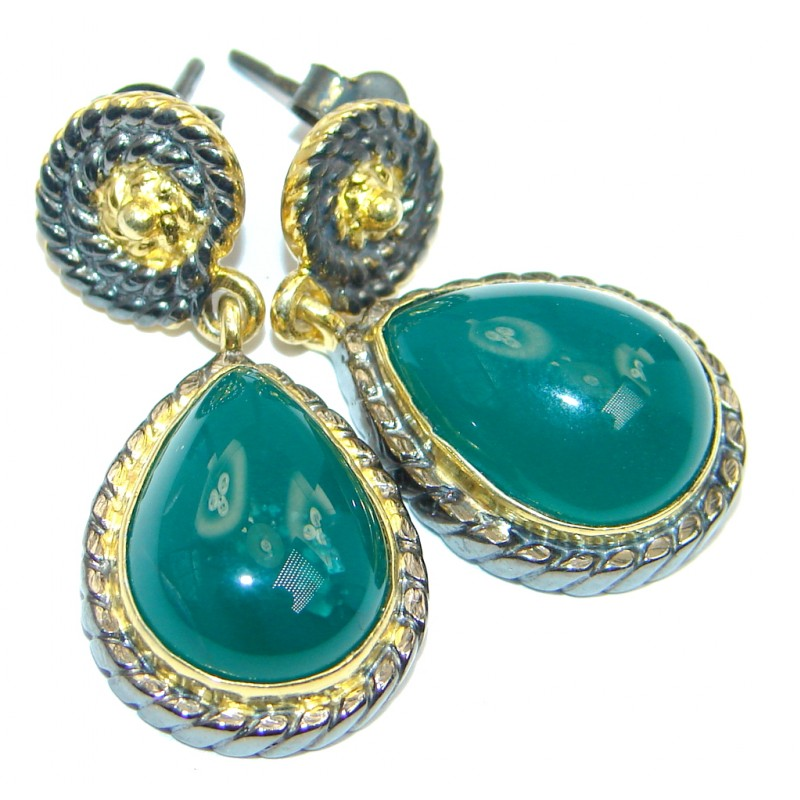Sublime Natural green Agate Gold Plated Sterling Silver handmade stud earrings