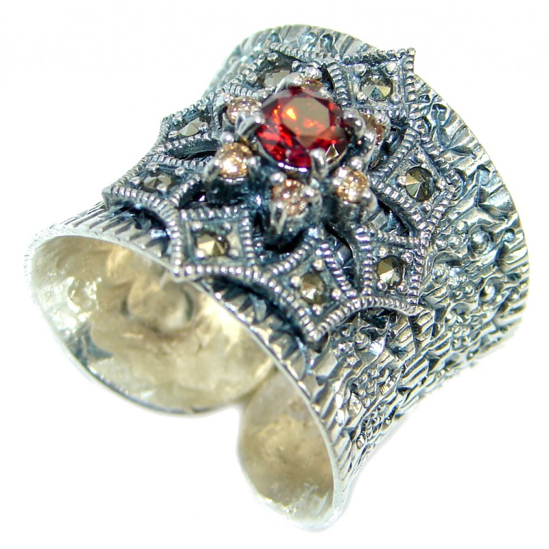 Very Fancy Flower Cubic Zirconia Sterling Silver Cocktail ring s. 7 adjustable