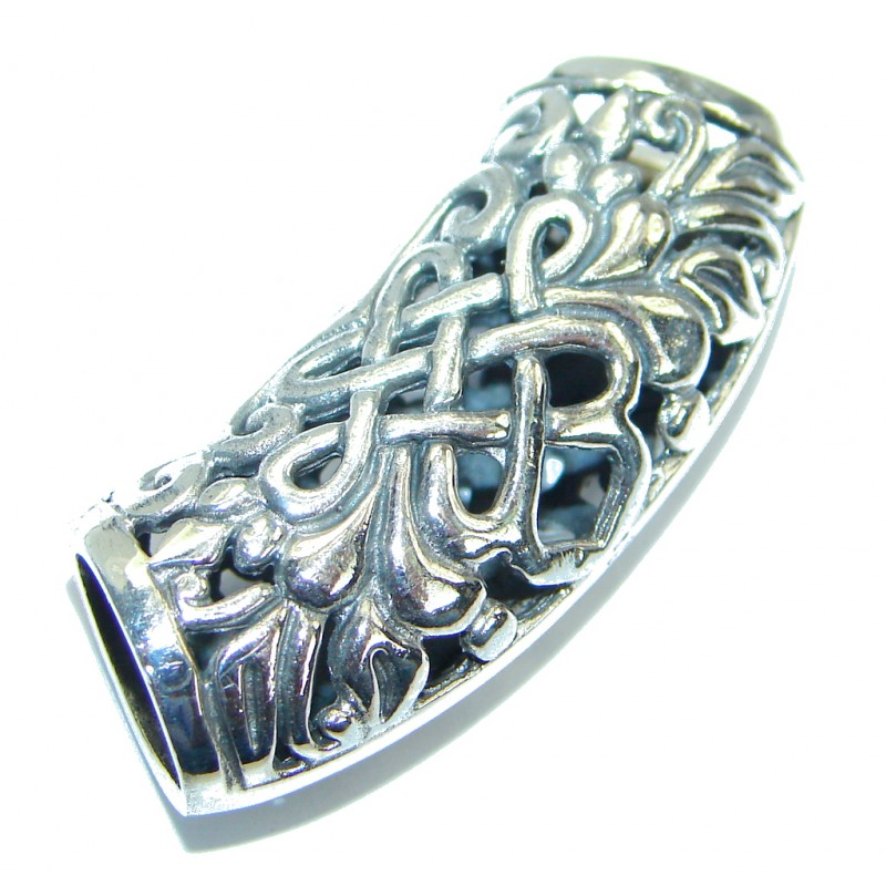 Unusual Design .925 Sterling Silver handmade Pendant