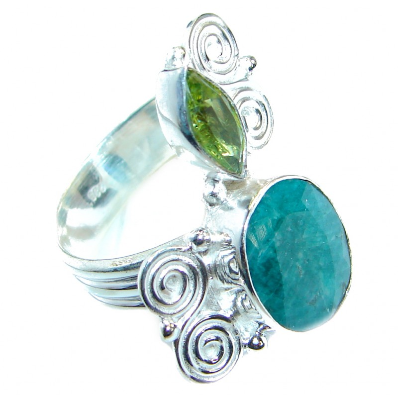 Created Emerald Silver Tone ring; s. 8