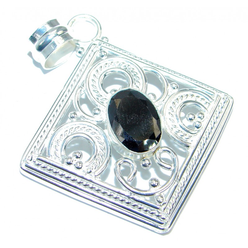 Large Simple Onyx Silver Tone pendant