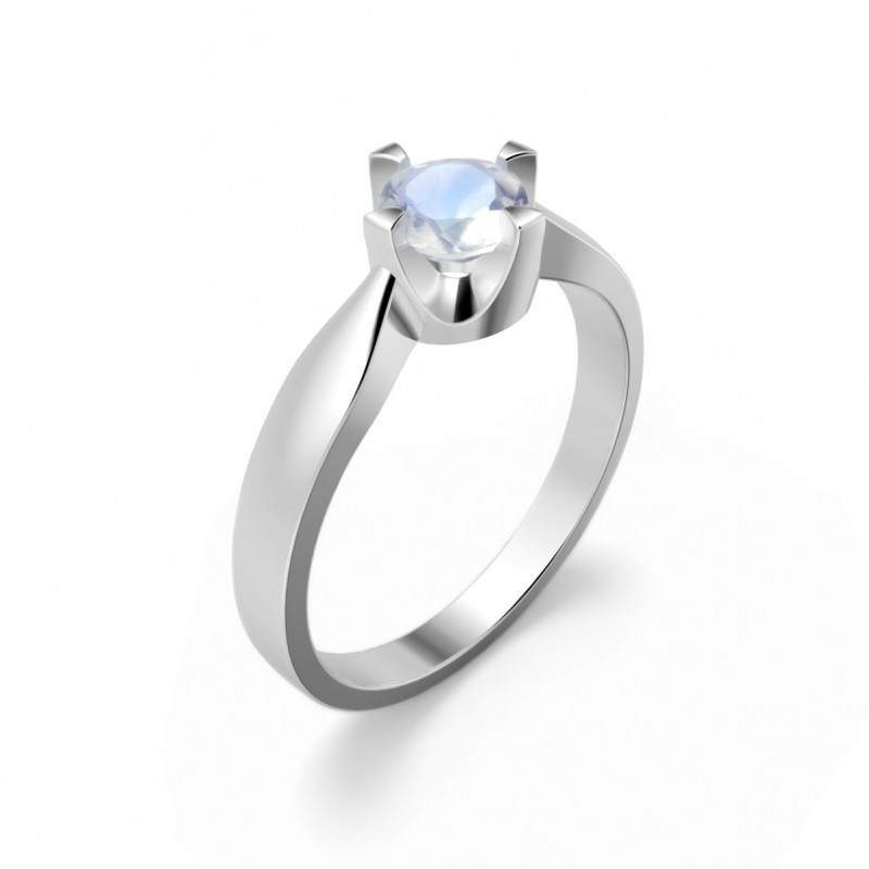 Elegant ring in sterling silver with a moonstone