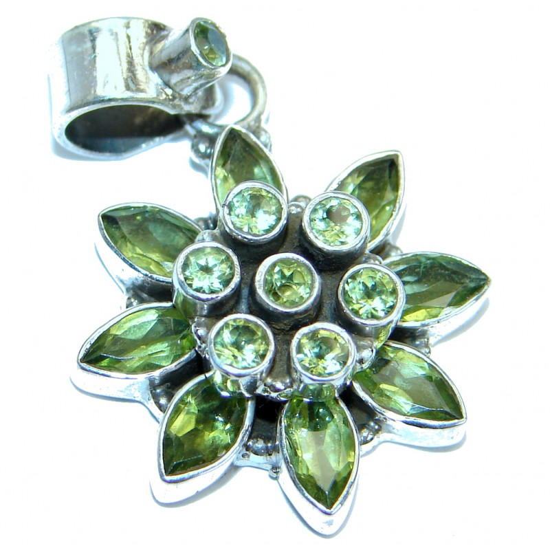 Unique design Peridot .925 Sterling Silver Pendant