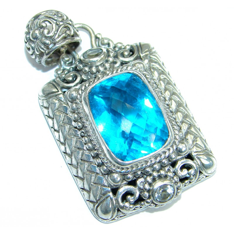 Universe Bali made Blue Topaz .925 Sterling Silver handmade Pendant