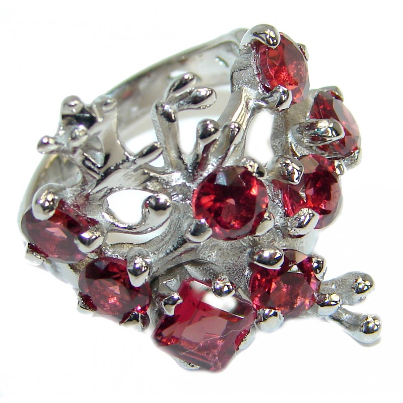 Dramatic Design genuine Garnet .925 Sterling Silver handmade Cocktail Ring s. 6