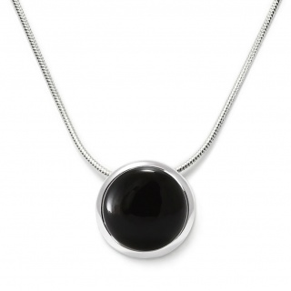 Charming necklace in sterling silver with a black onyx
