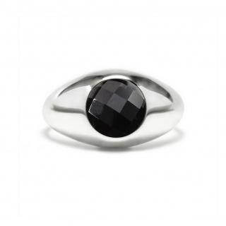 Charming signet ring in sterling silver with a black onyx