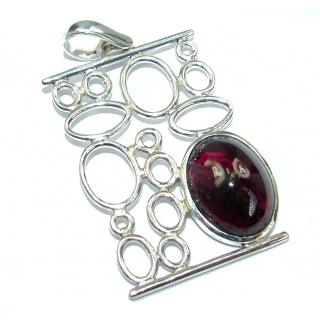 Beautiful genuine 25ct Garnet .925 Sterling Silver handcrafted Pendant