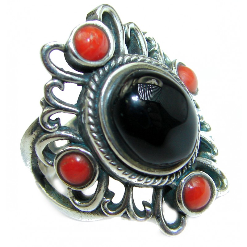 Secret Black Onyx And Coral Silver Tone ring s. 8