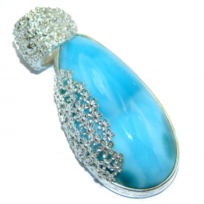 Romantic Design 92 ct perfectly Blue Larimar .925 Sterling Silver handmade pendant
