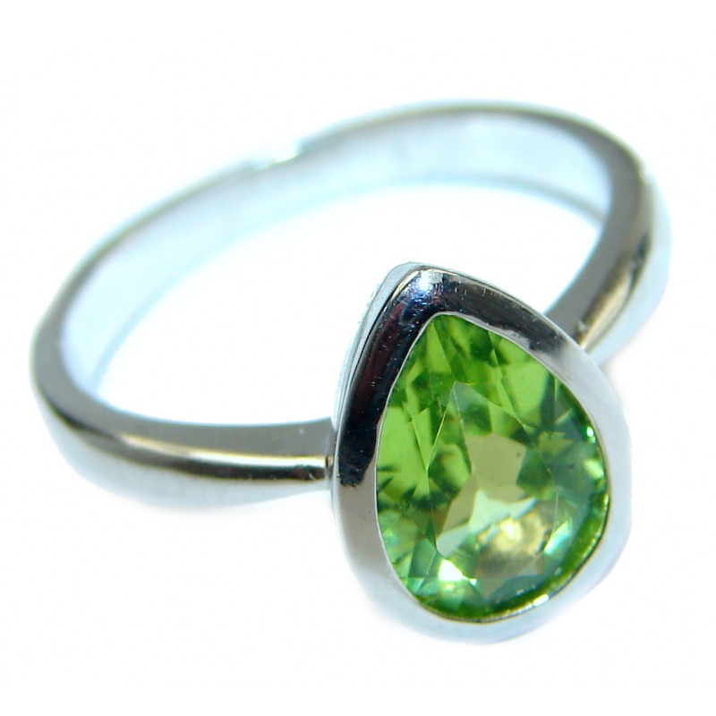 Energazing Peridot .925 Sterling Silver handmade Ring size 7