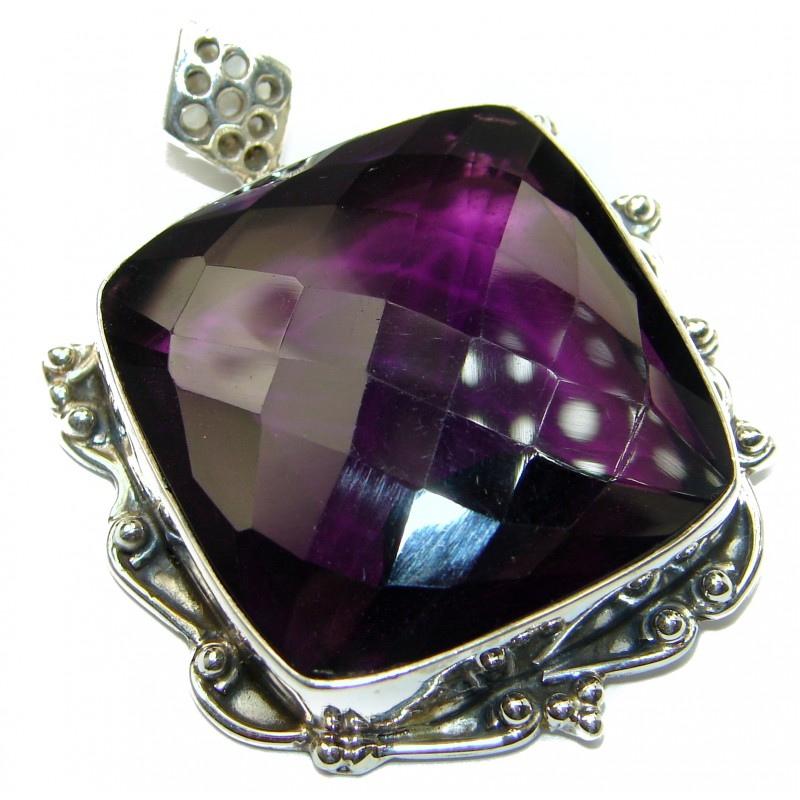 Vintage Design Amazing color lab. Quartz .925 Sterling Silver Pendant