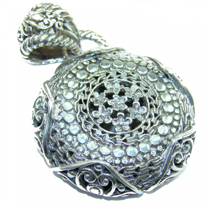 New Universe Bali made .925 Sterling Silver handmade Pendant