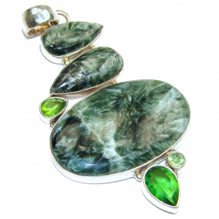 Precious Great quality Green Seraphinite .925 Sterling Silver handmade Pendant