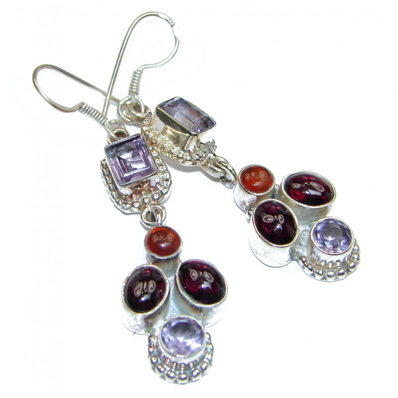 Outstanding Sublime Garnet .925 Sterling Silver earrings