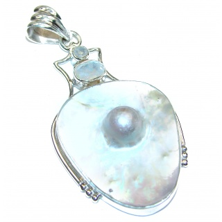 Vintage Design White Mother of Pearl .925 Sterling Silver pendant