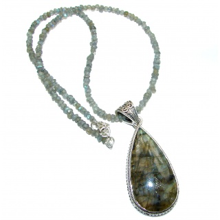 Mesmerizing lights Labradorite .925 Sterling Silver entirely handcrafted necklace