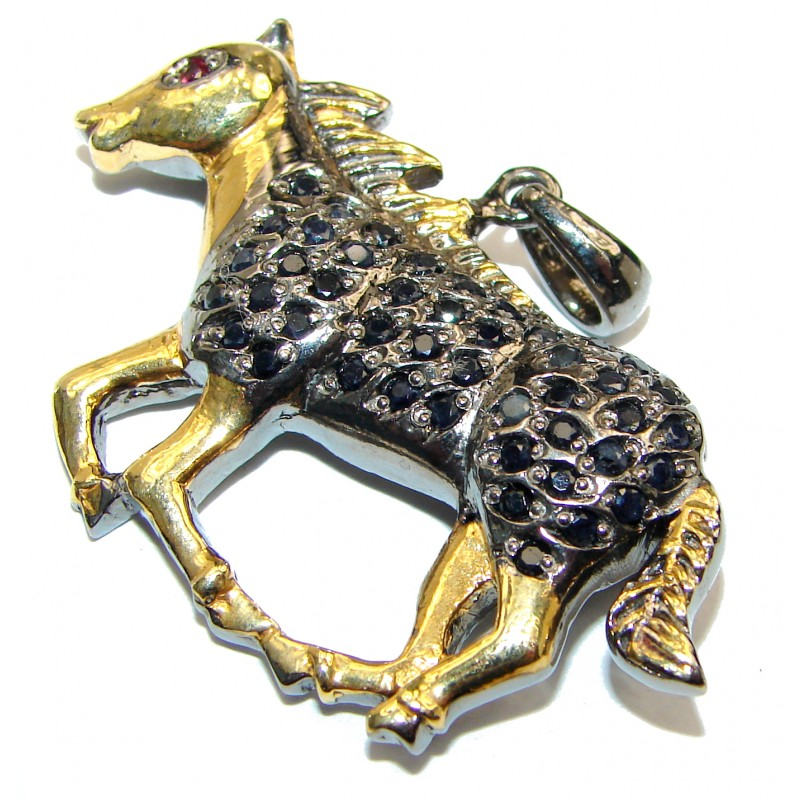 Galloping horse Natural Sapphire 925 Sterling Silver Pendant Brooch