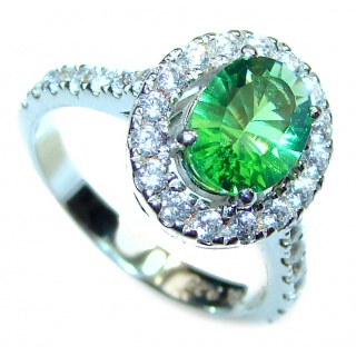Genuine 0.9ctw Green volcanic Helenite .925 Sterling Silver ring s. 5
