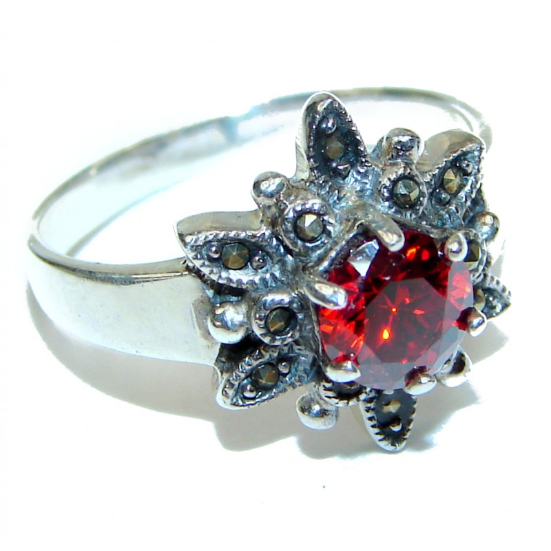 Red quartz .925 Sterling Silver Ring size 6 3/4