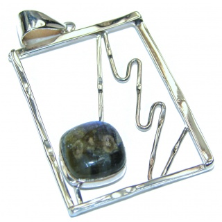 Blue Fire Labradorite .925 Sterling Silver handcrafted Pendant