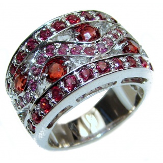 Vintage Design Authentic Garnet .925 Sterling Silver brilliantly handcrafted ring s. 7 3/4