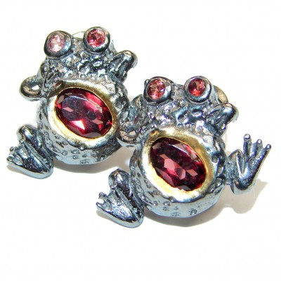 Lucky Frogs Garnet 2 tones .925 Sterling Silver handcrafted earrings