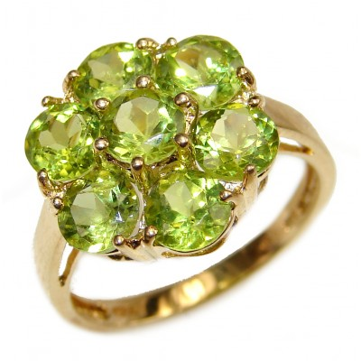 14K yellow Gold Six-Petal Flower Peridot Cocktail Ring size 7 1/2