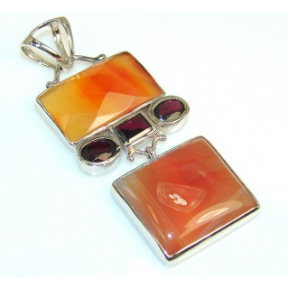 Fabulous Agate Sterling Silver Pendant