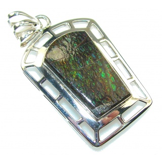 Perfect Design!! Green Ammolite Sterling Silver Pendant