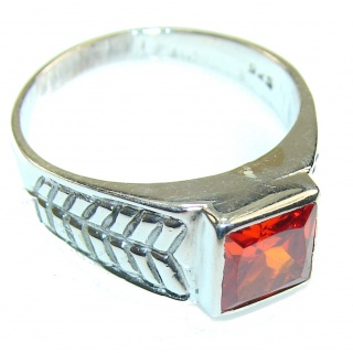 Amazing Red Quartz Sterling Silver Ring s. 11 3/4