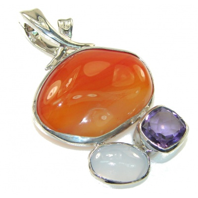 Fabulous Style Of Agate Sterling Silver Pendant