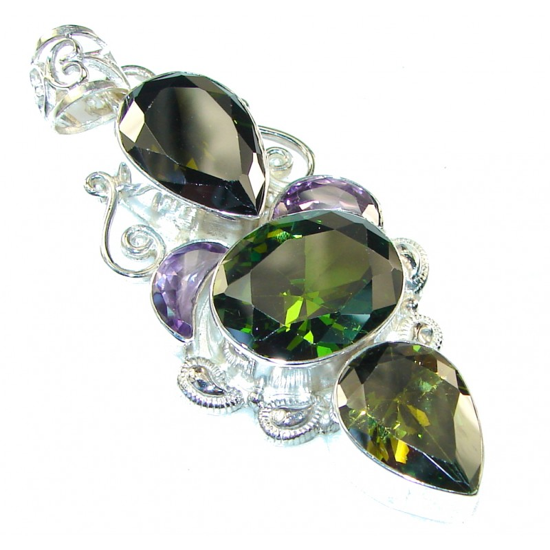 Green Island Created Chrome Diopside Quartz Stering Silver Pendant