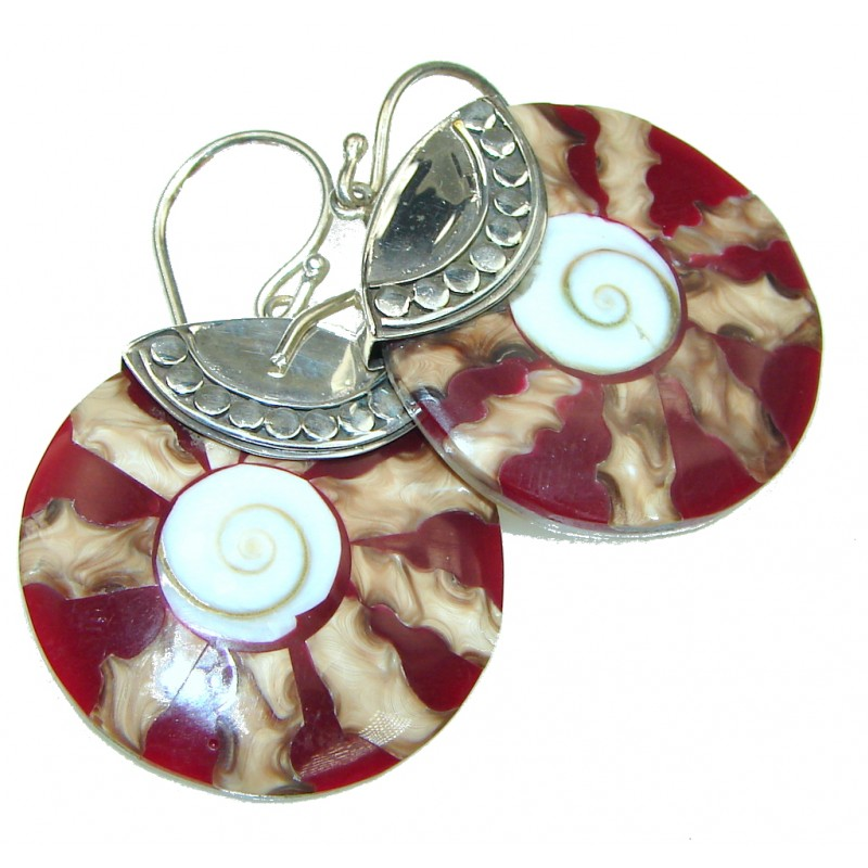 Ocean Style! Red Ocean Shell Sterling Silver earrings
