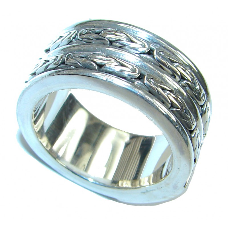 Bali Made Silver Sterling Silver ring / Band s. 11