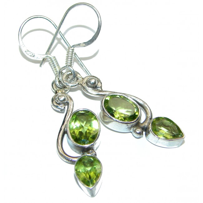 Rich Design Peridot .925 Sterling Silver handcrafted earrings