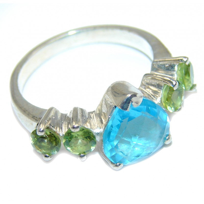 Beautiful Blue Topaz Peridot Sterling Silver Ring s. 7